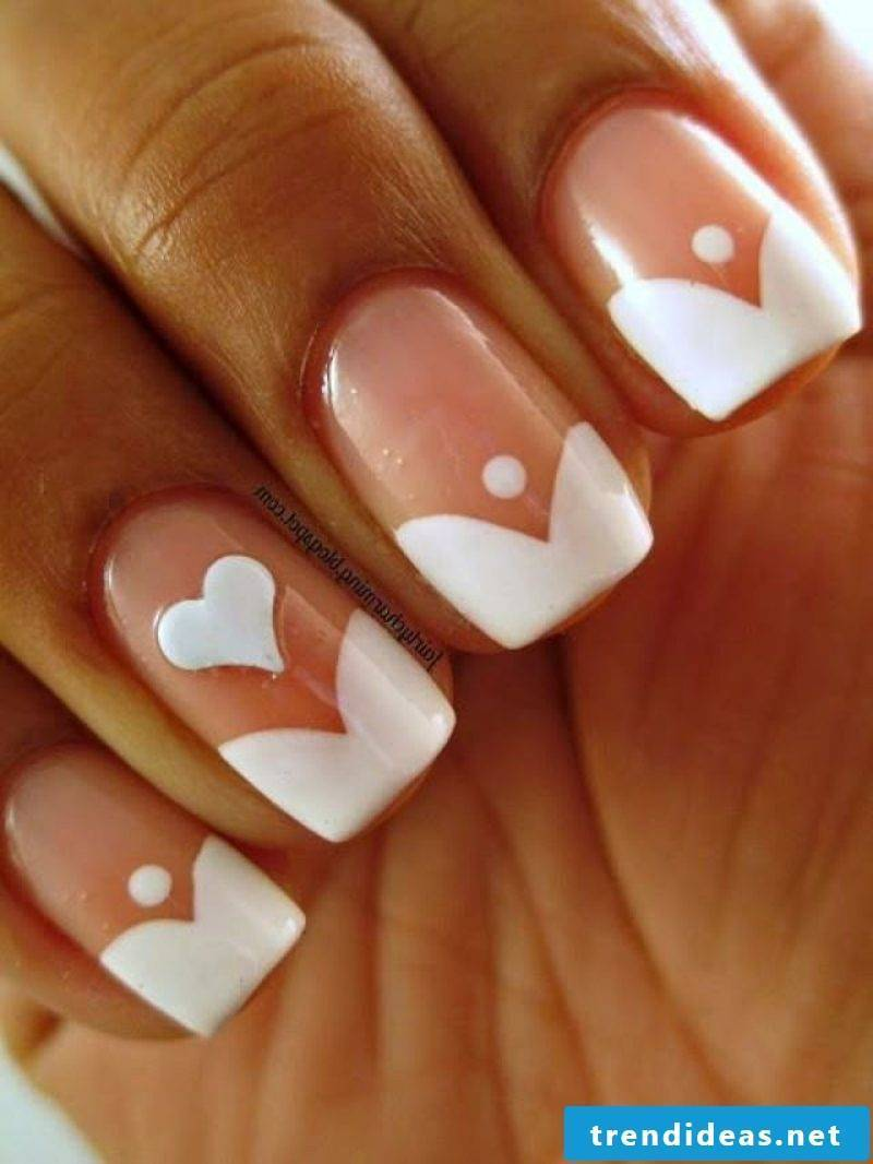 Nail art pretty heart