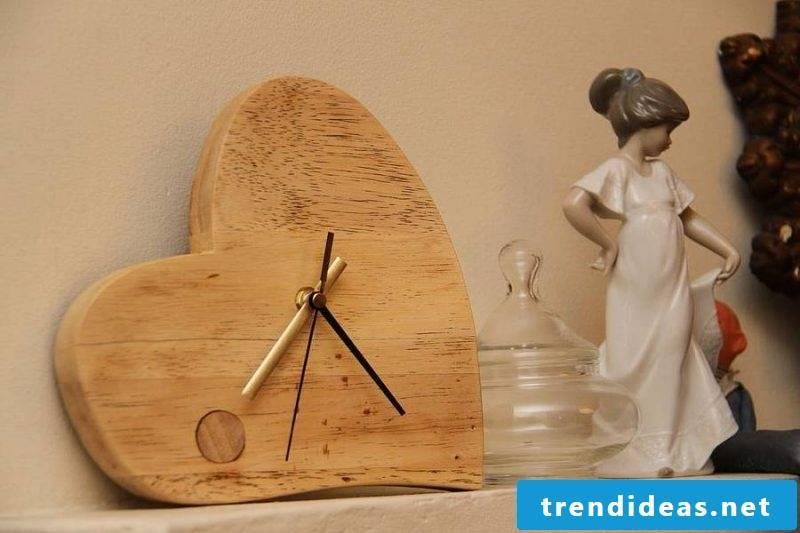 Romantic heart wall clock!