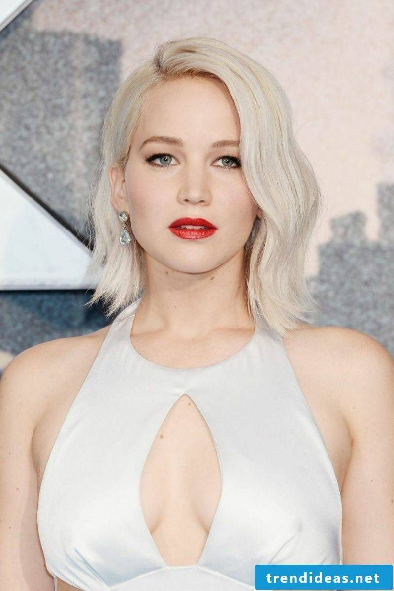 cool hair color Ice Blond Jennifer Lawrence