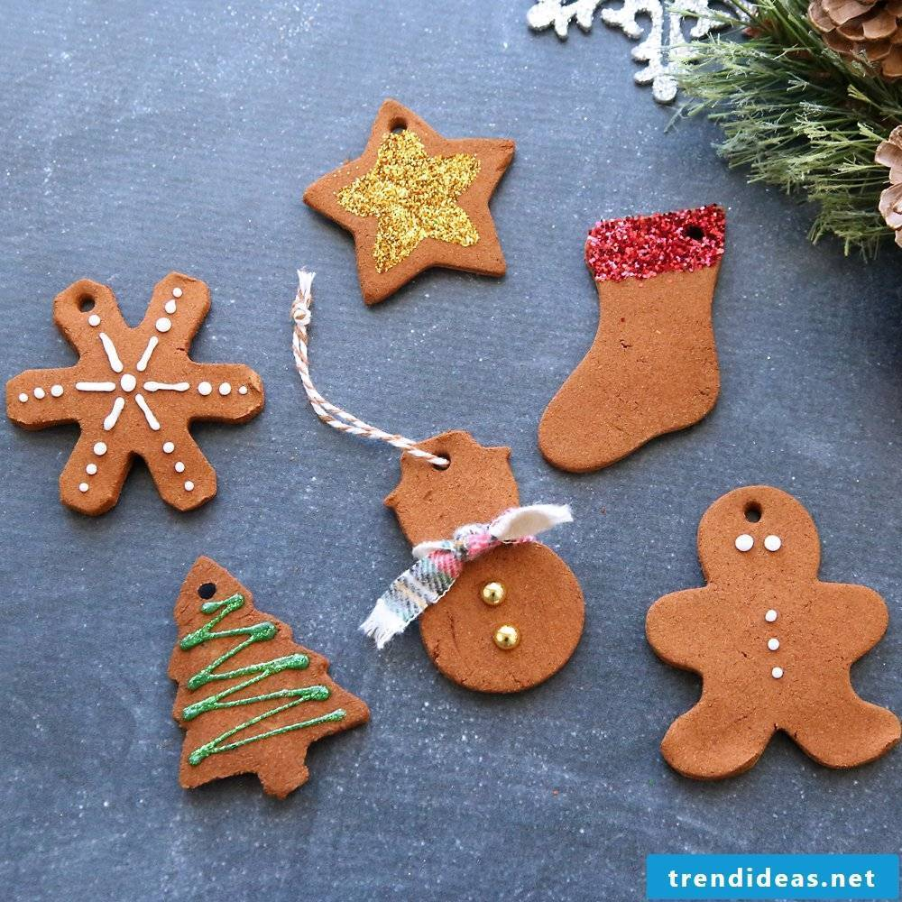 Crafting with children - Christmas cookies Christmas tree decorations