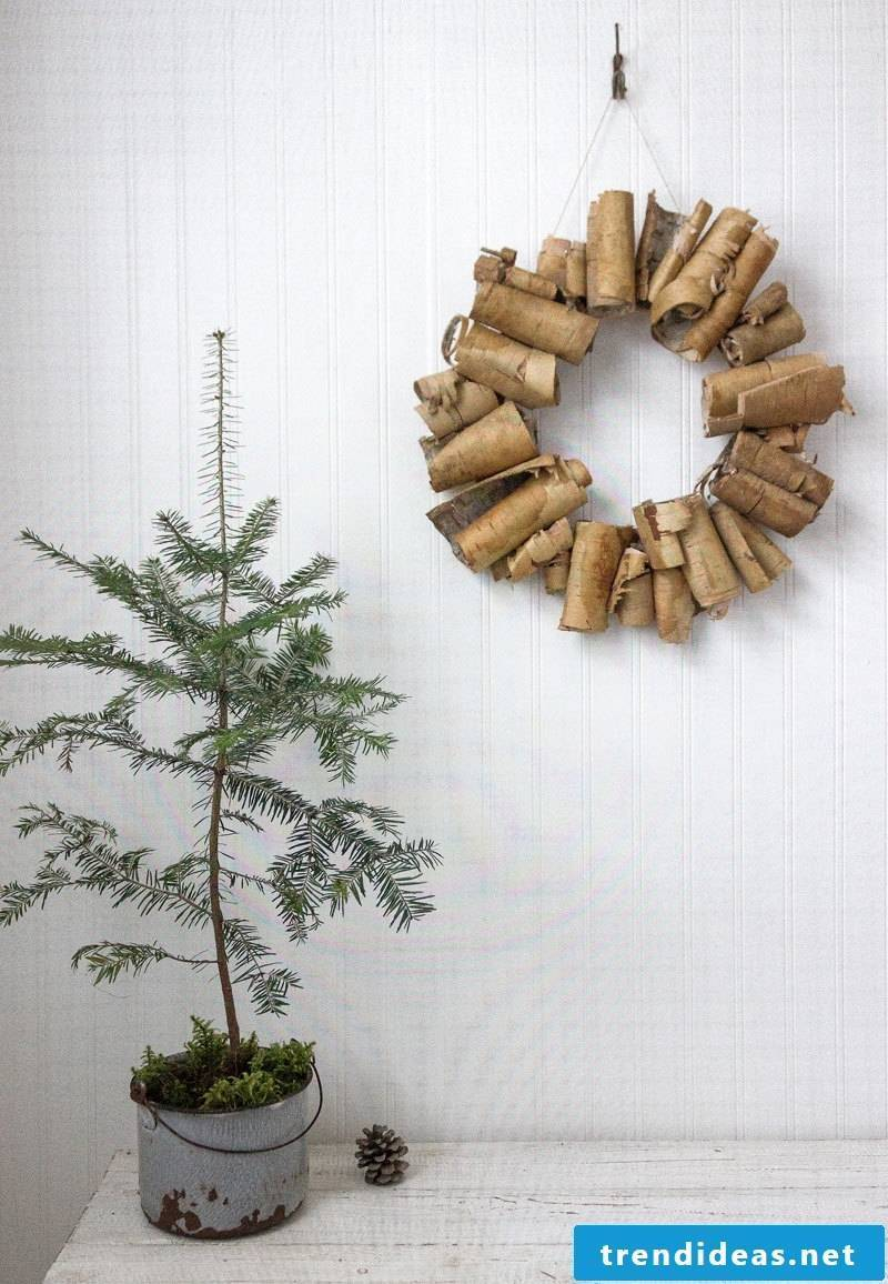 Door wreath of tree bark - very interesting