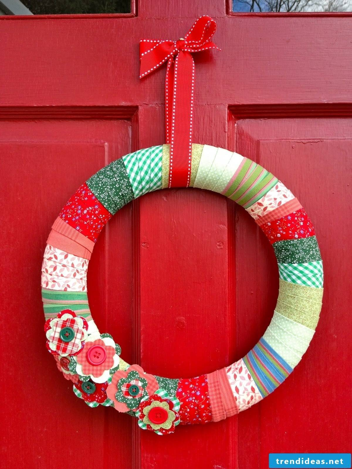 Simple cloth door wreath for christmas