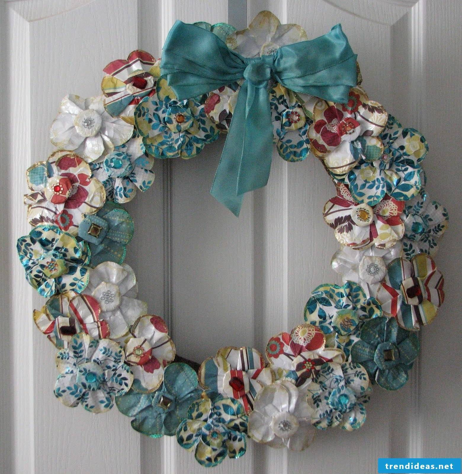 Door wreath of paper flowers - very nice decoration for Christmas