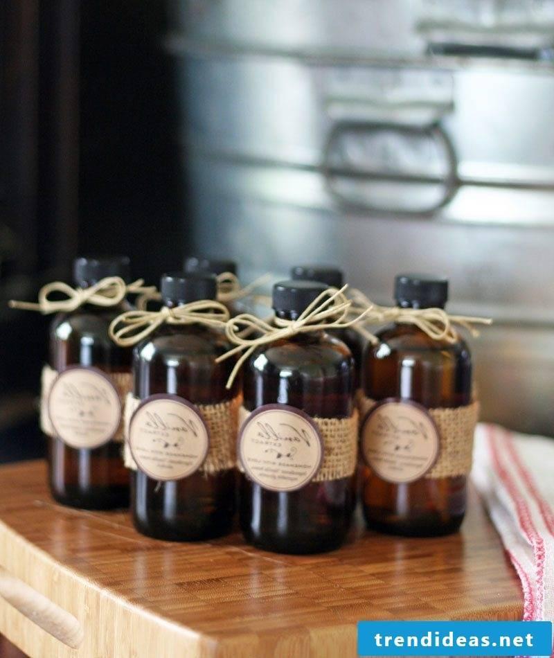 Nicholas gift for friend Christmas liqueur DIY recipe