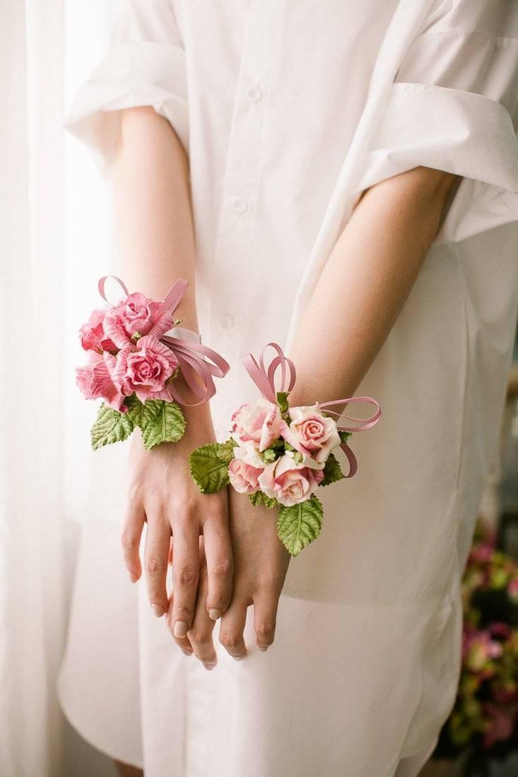 Making DIY paper flowers: flower ribbon for the wedding