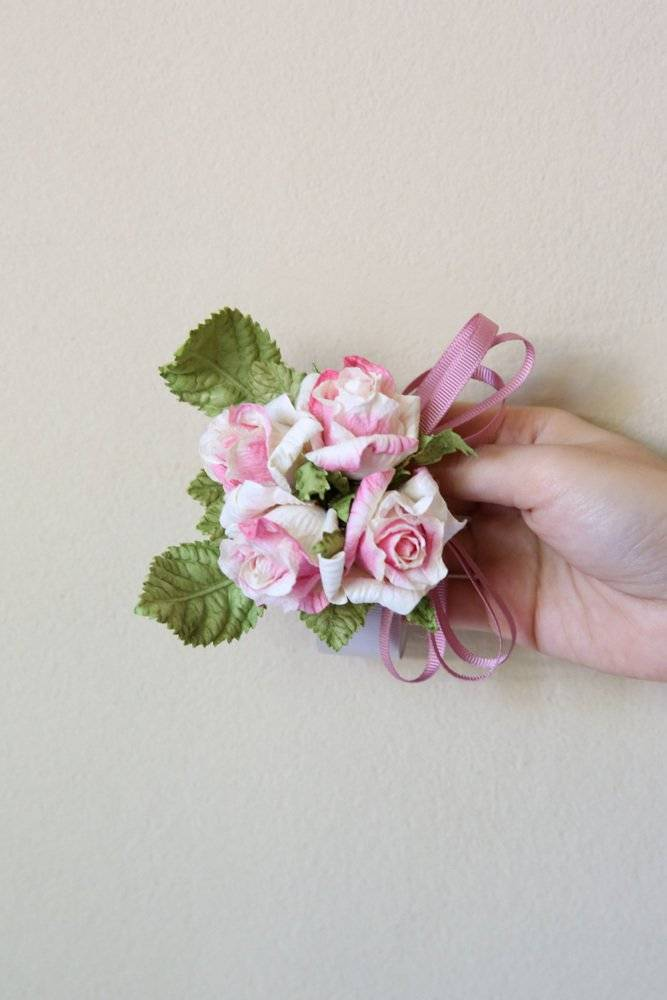 Tinker ribbon with paper flowers
