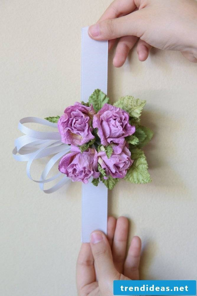 Make beautiful ribbons with paper flowers