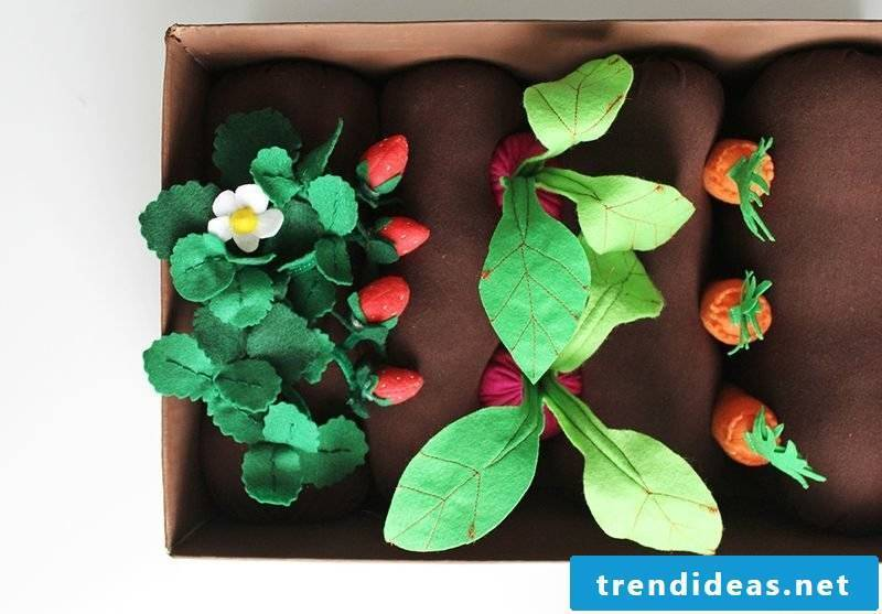 Toys made of felt - DIY Instructions for Garden Box