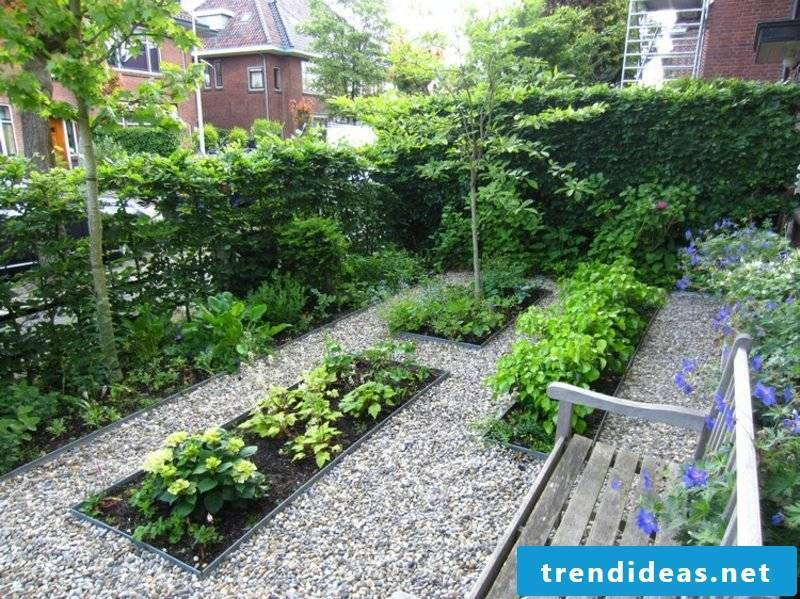 Front garden landscaped with gravel sitting area