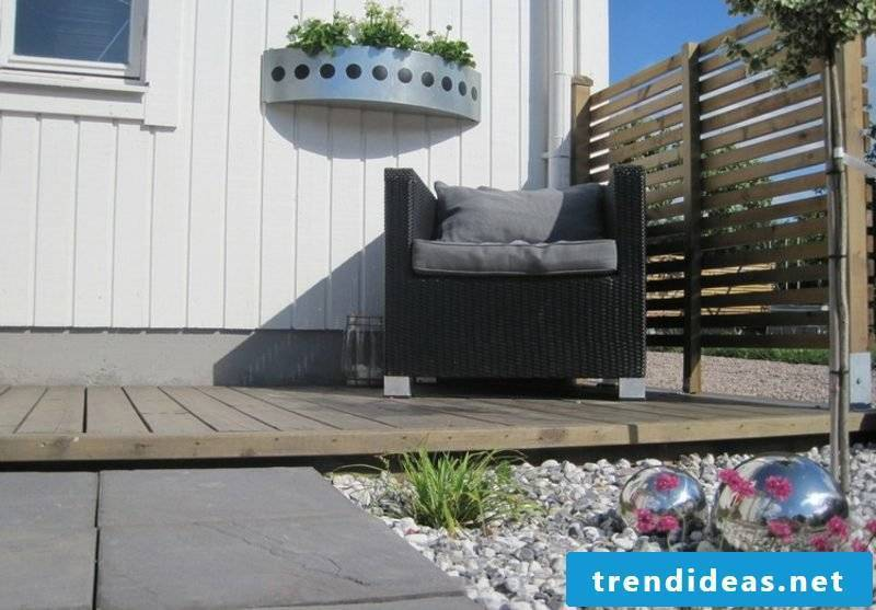Front garden landscaped gravel terrace