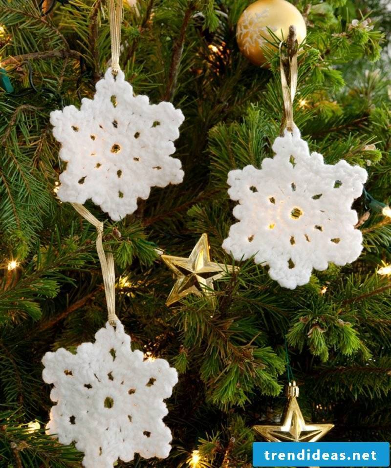Crochet for Christmas - snowflakes as a Christmas tree decoration
