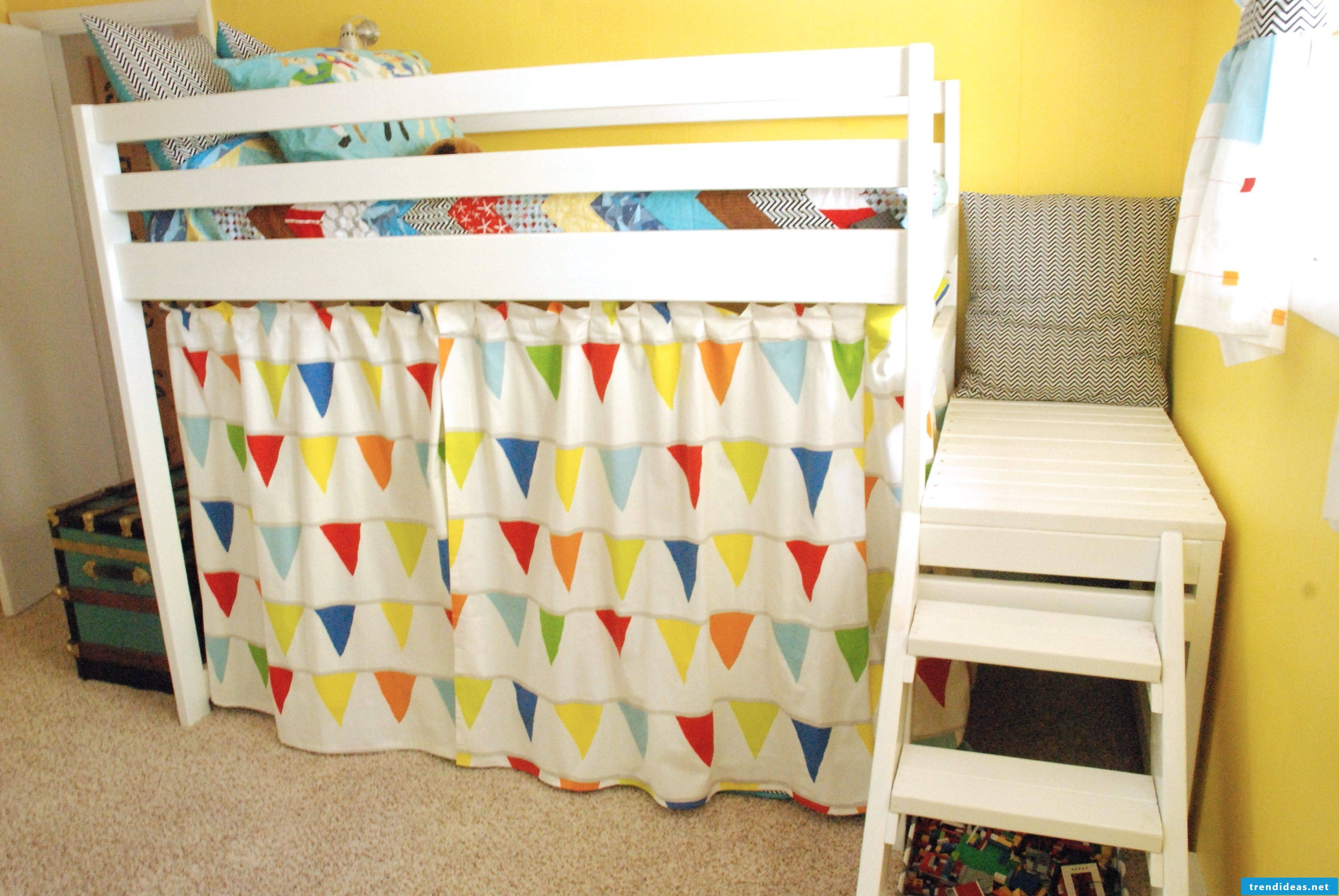 Curtains sew for cot