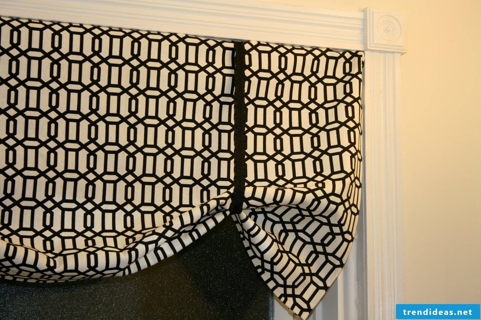 Roman curtain