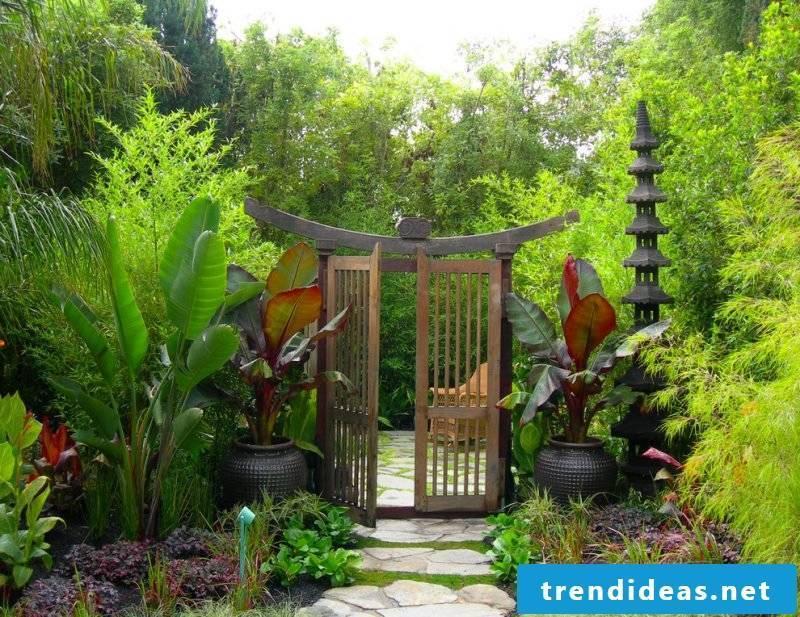 Garden gate build in Japanese style