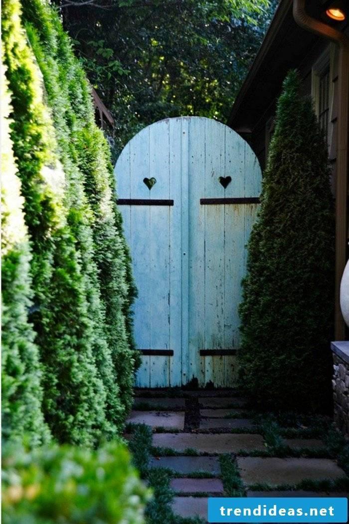 Garden gate itself build idea