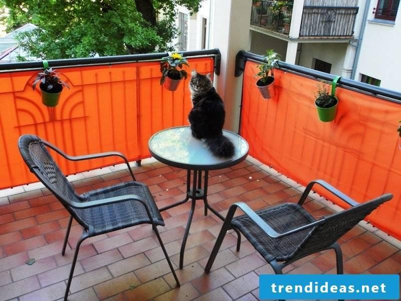 Balcony border orange