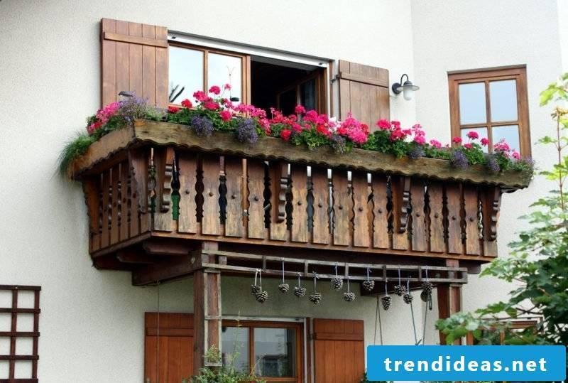 Balcony border wood