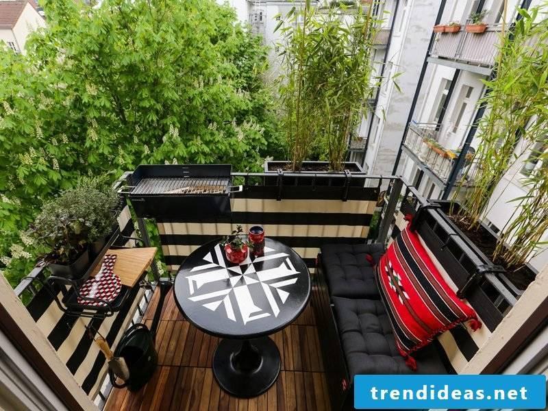 Balcony border Small terrace