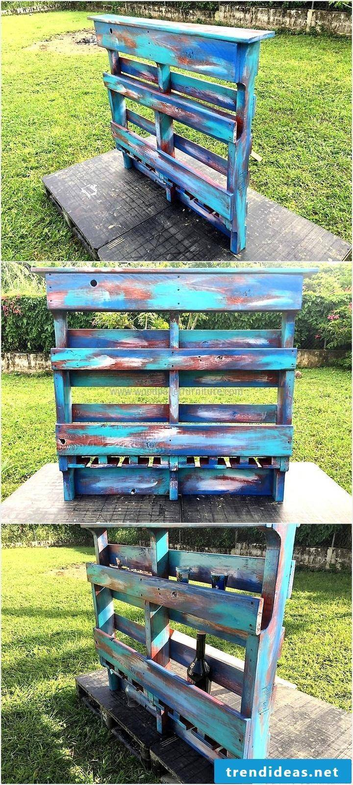 Build DIY decoration from pallets