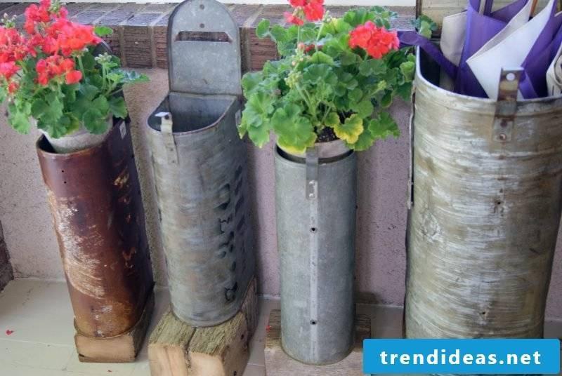 Flowerpot from mailbox