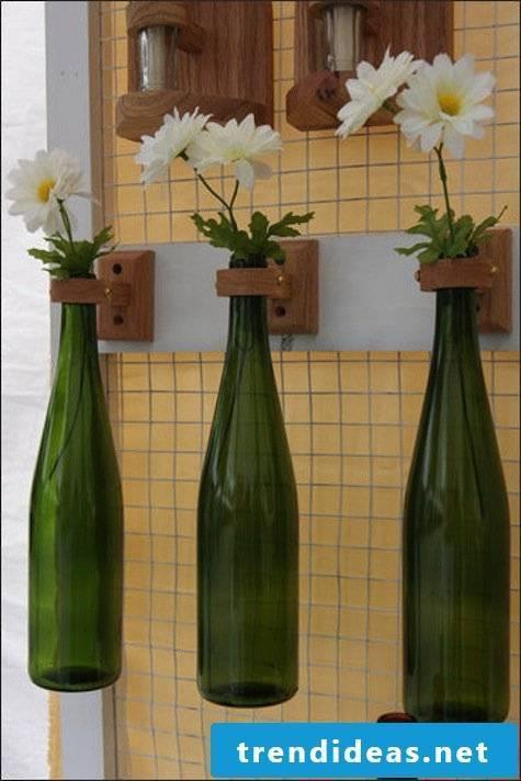 DIY deco vase from bottles