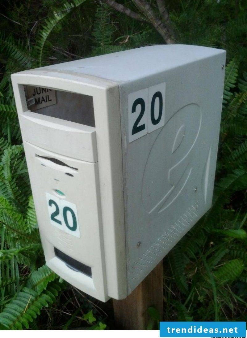 Mailbox from old computer!  You certainly never saw that!