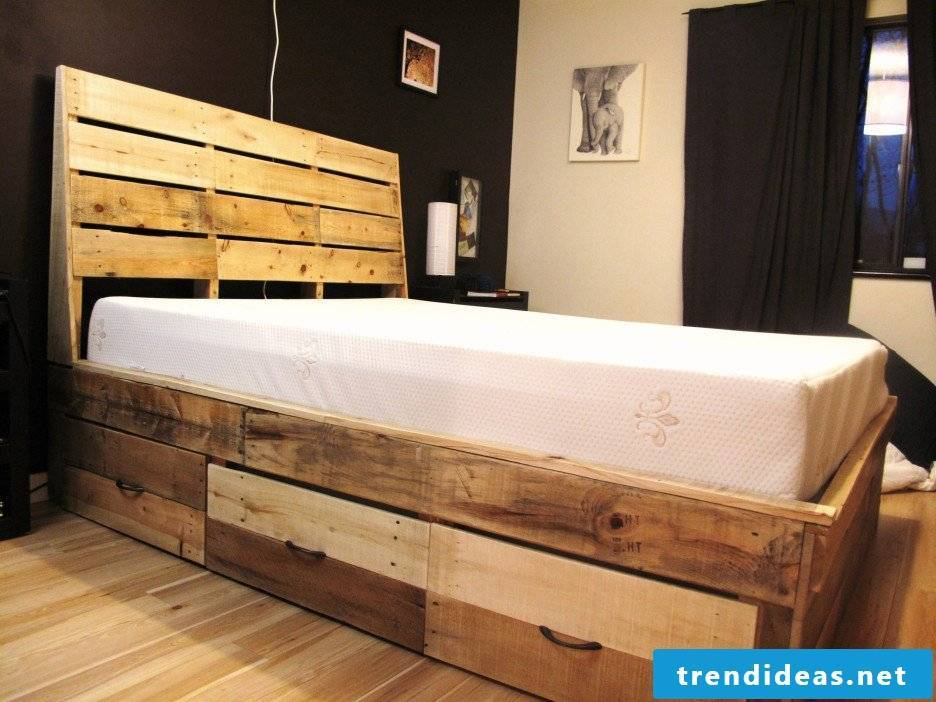 Vintage Look Podium Bed Build