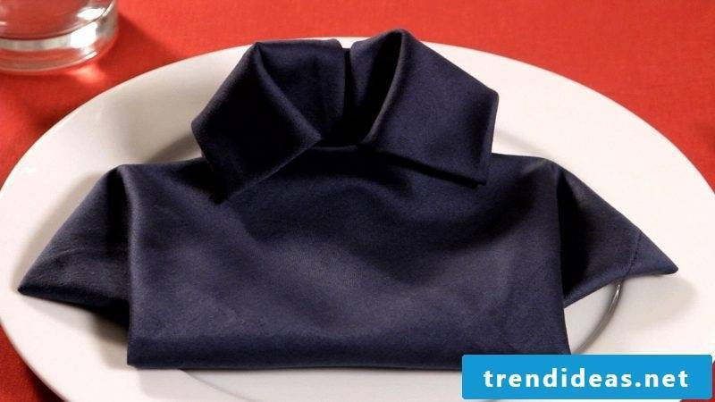 Another shirt of napkins.