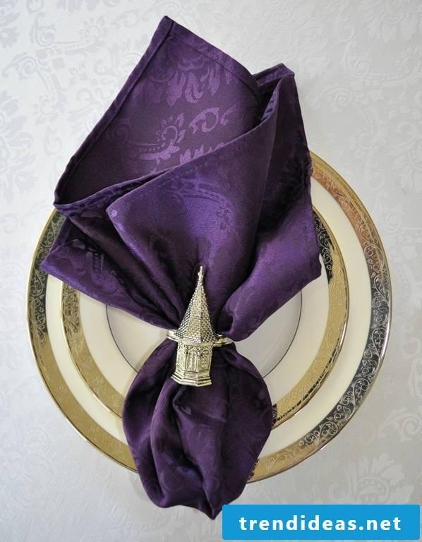 This napkin looks very luxurious.
