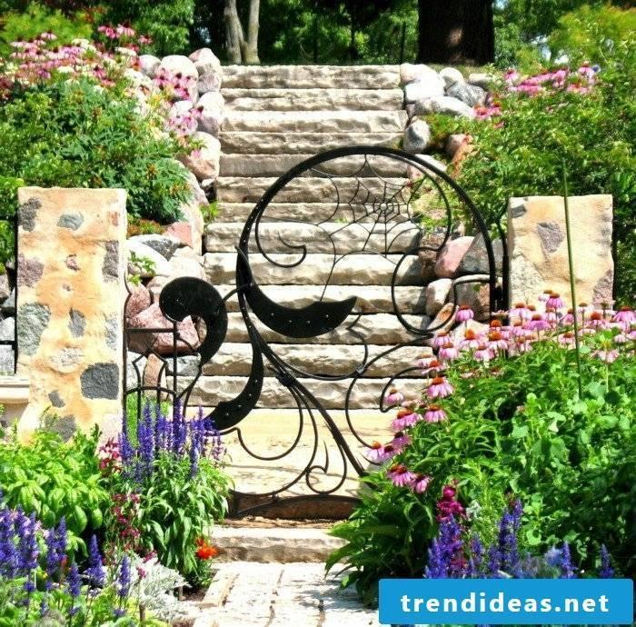 Creepy garden gate build yourself