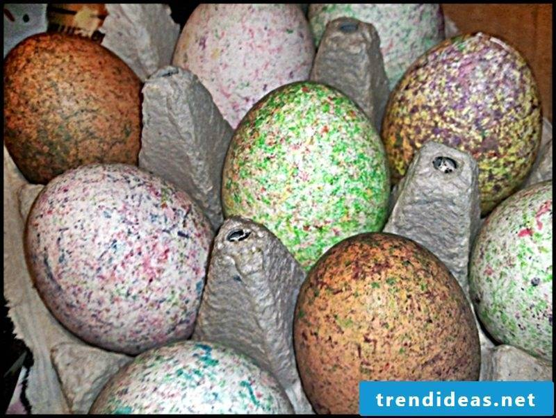 Easter eggs color with nature colors. Interesting ornamentation technique. Mottled