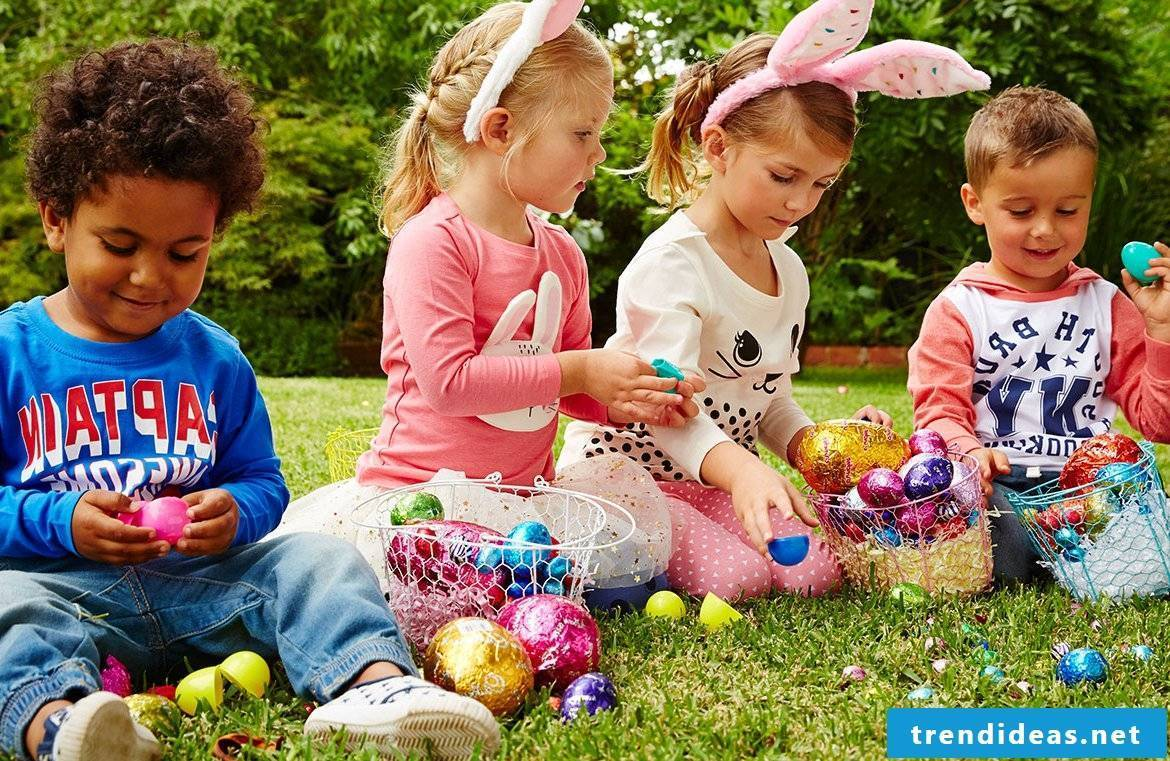 To organize funny children's games on Easter Monday