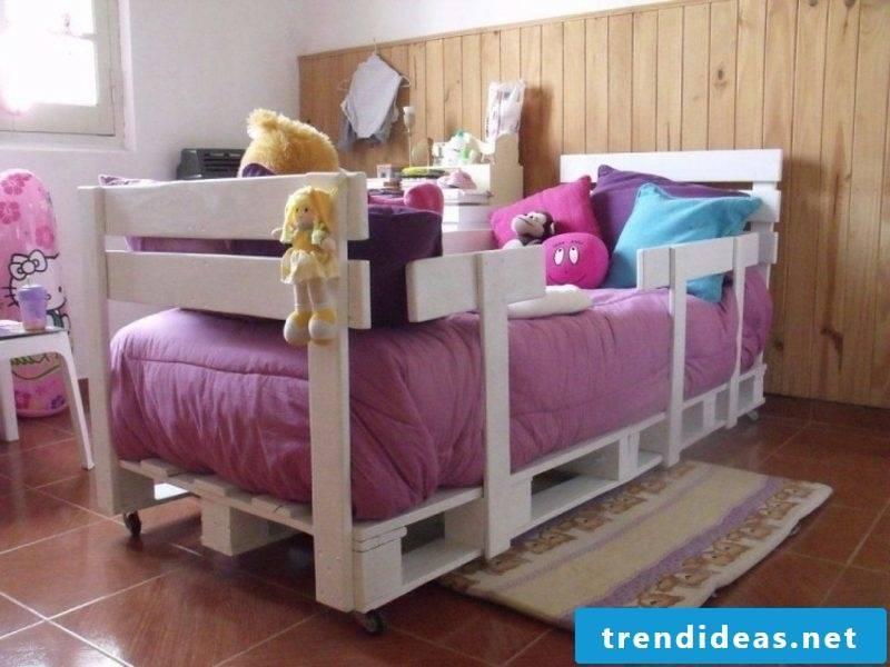Euro pallets bed children's room white
