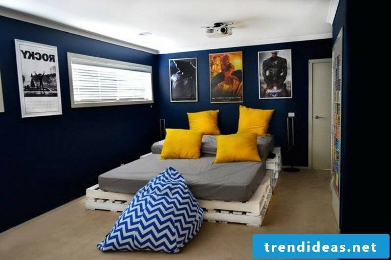 Euro pallets bed modern and large bedroom
