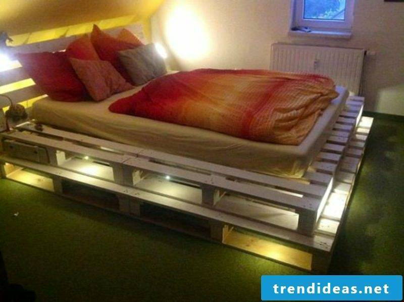 Euro pallets bed lit original look