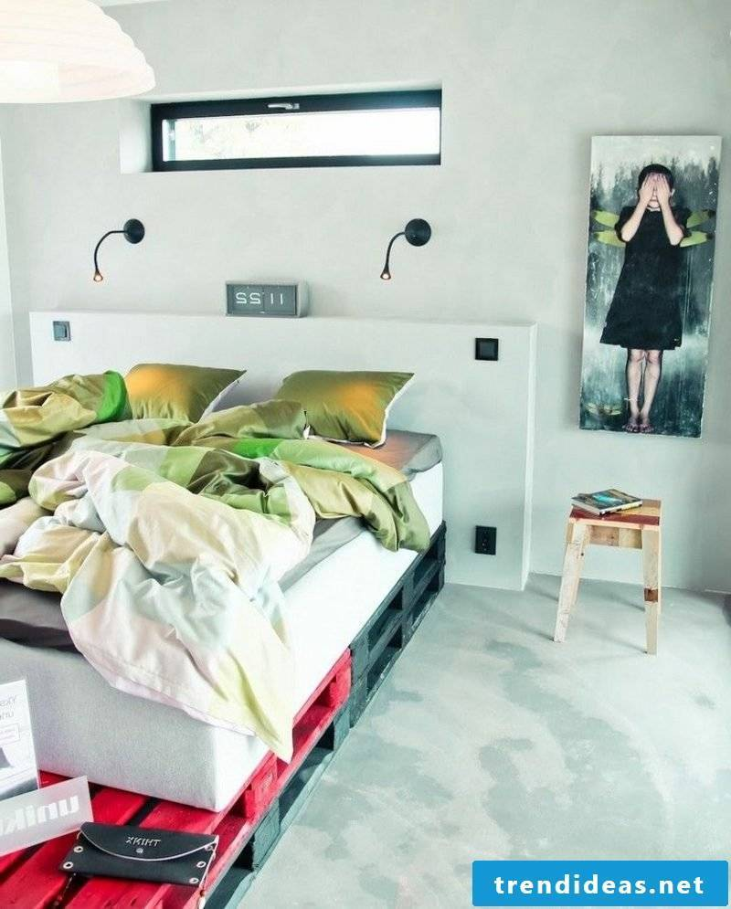 Euro pallets bed painted red-black