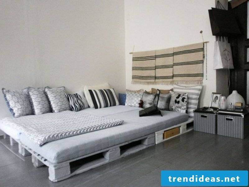 large europallets bed rustic