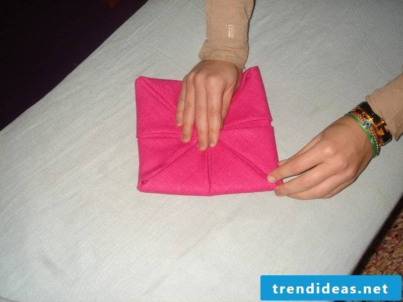 Star napkins fold step 9
