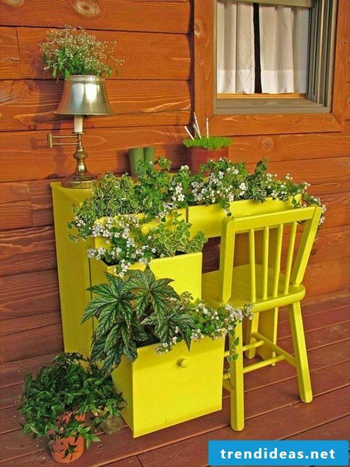a yellow office in the garden decoration
