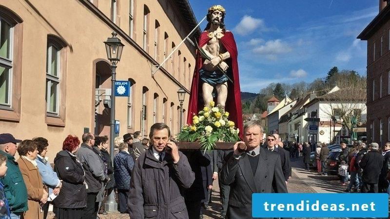 Good Friday 2016 meaning Catholic custom Good Friday procession