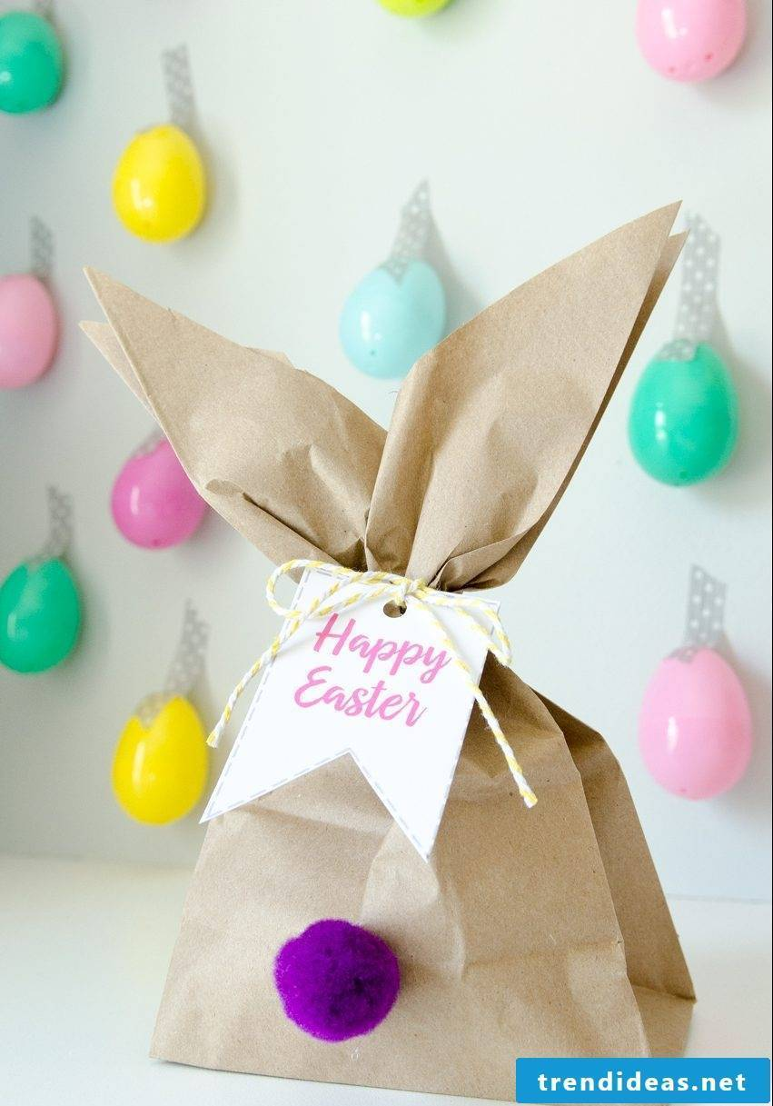 Easter Bunny Craft: Surprise bag with sweets