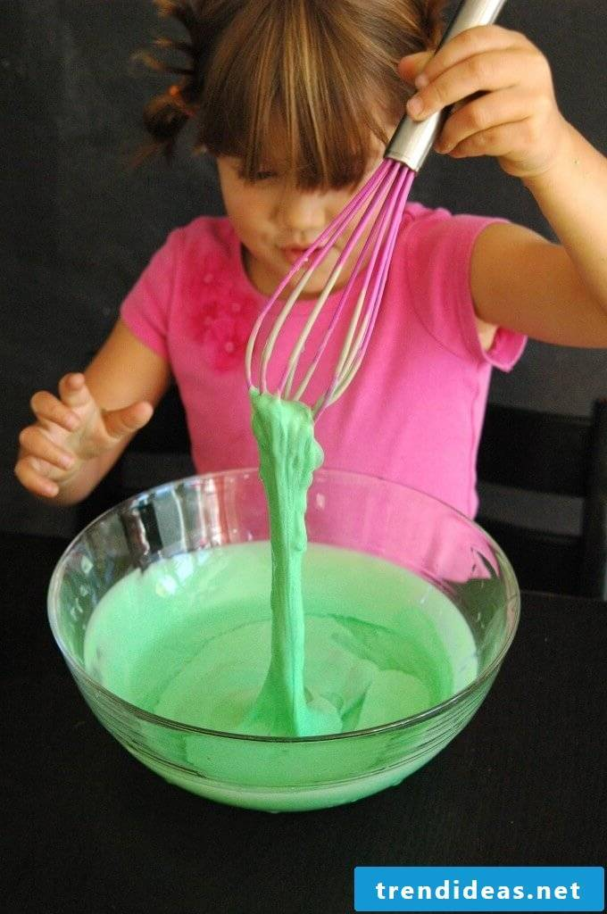 Children's experiments for the home