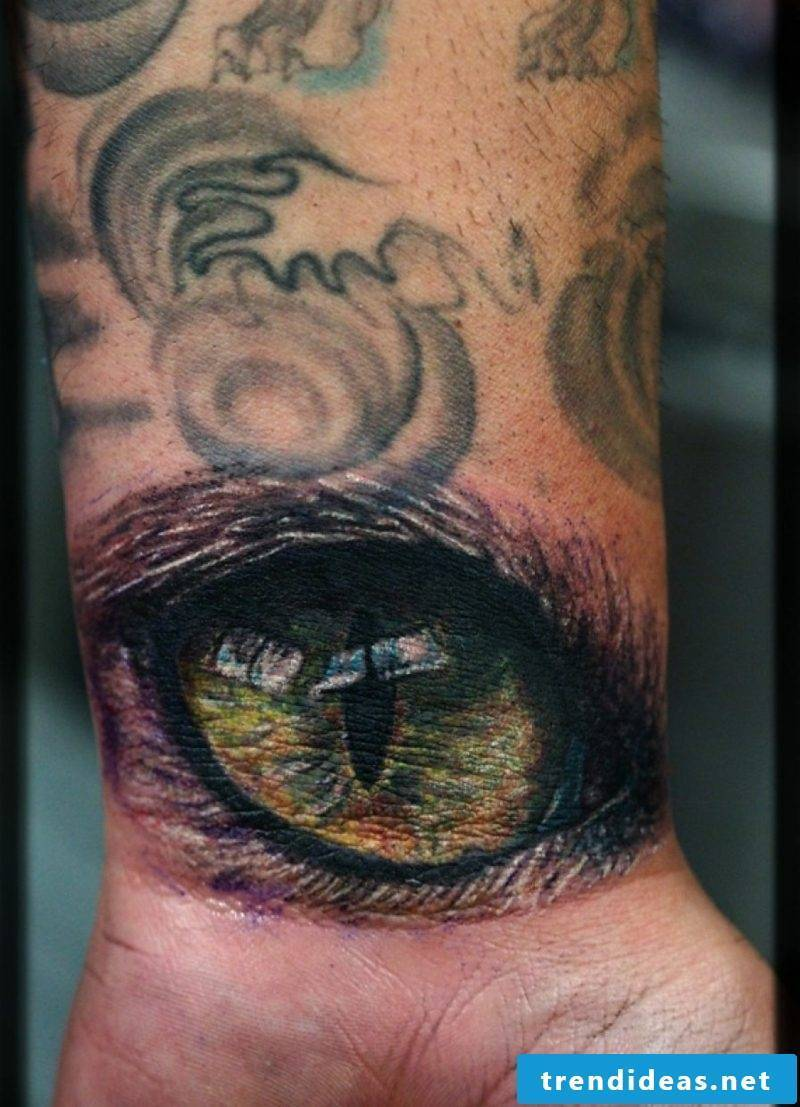 Cat's eye tattoo design