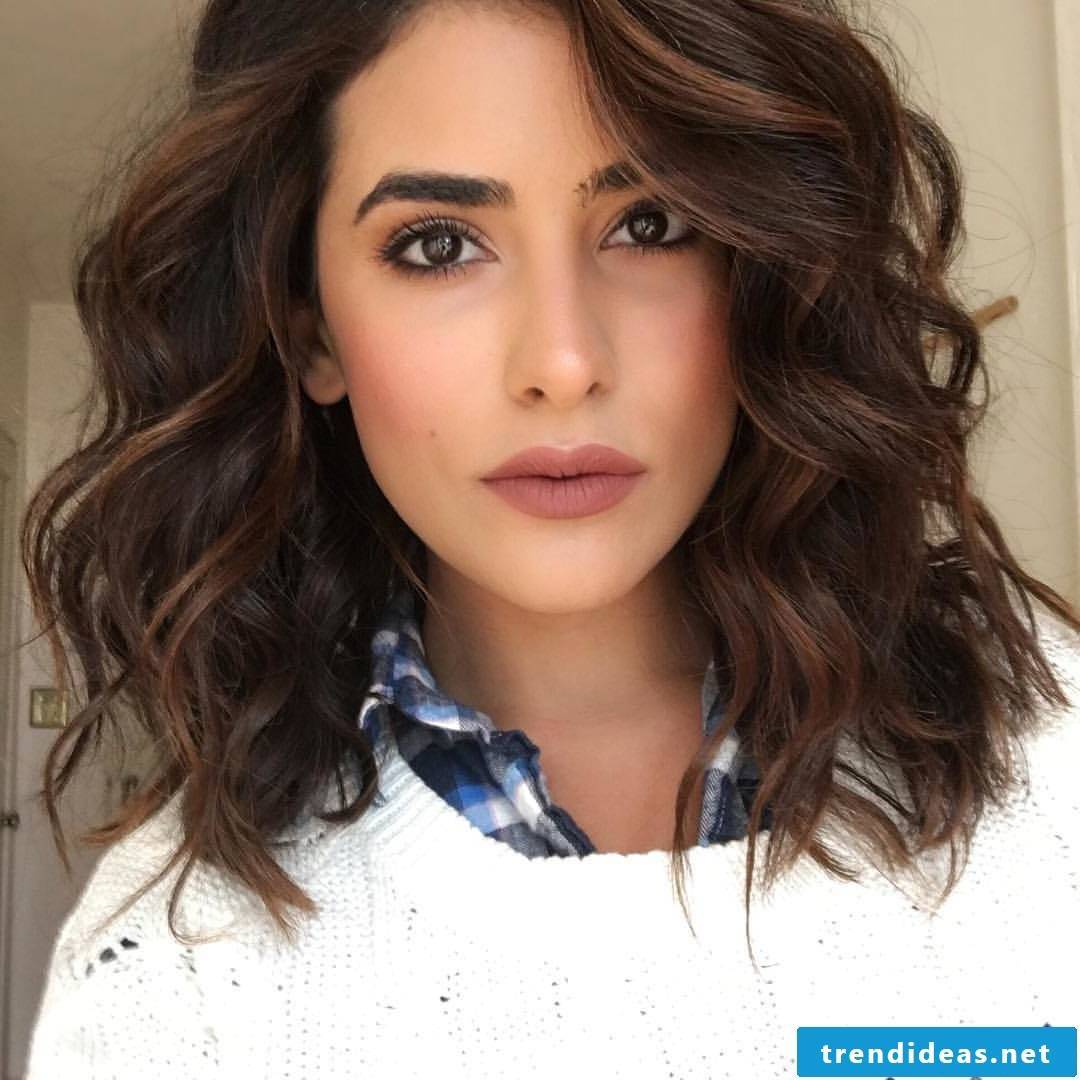 medium hair length chic and stylish