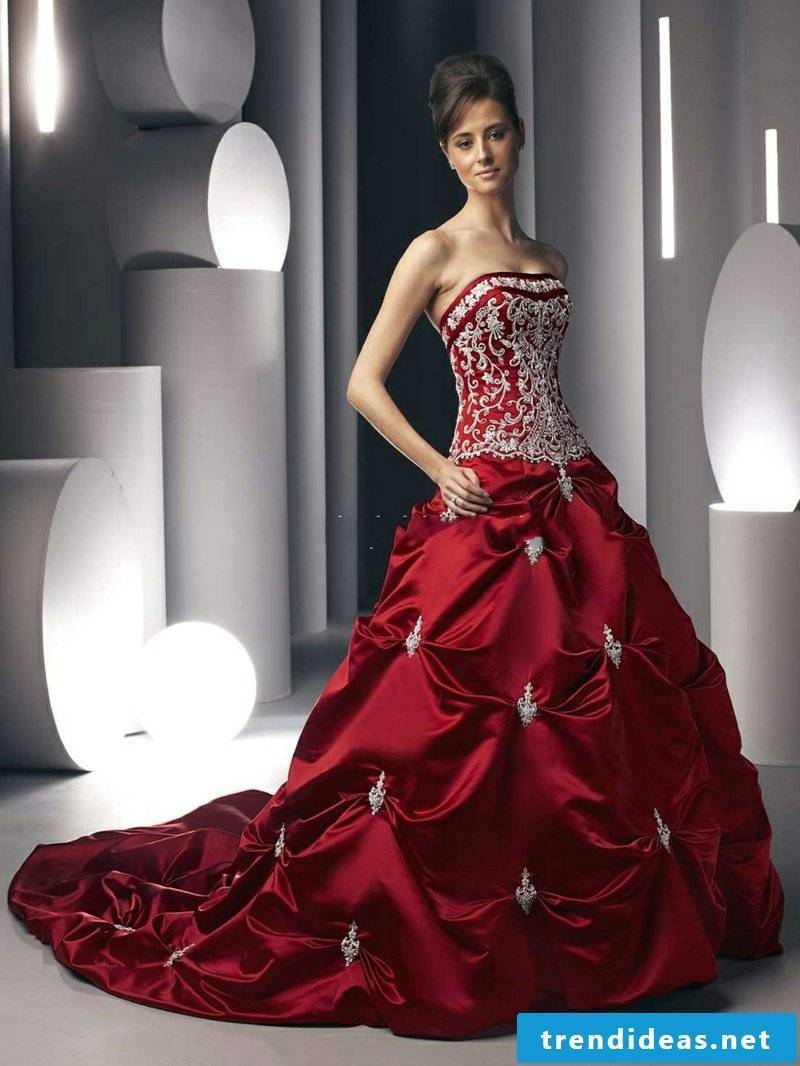 Bridal gown in the wine red