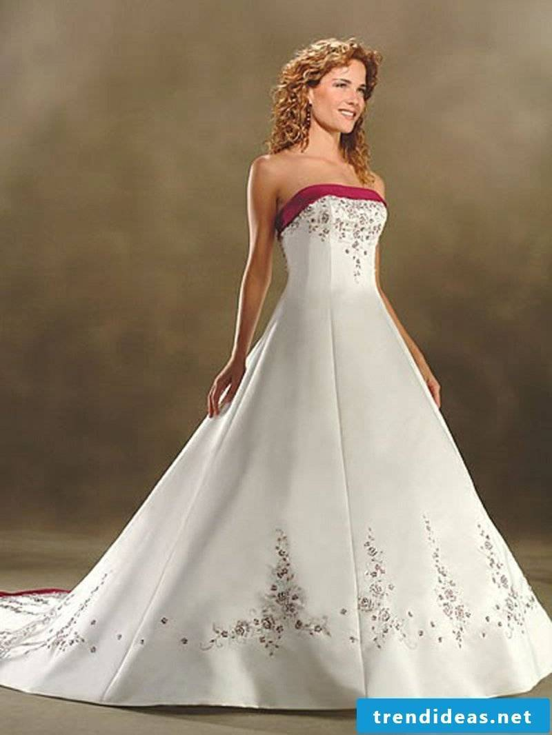 Wedding dress in white and red