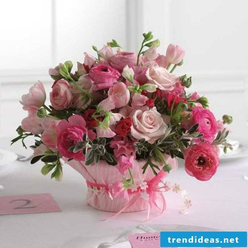 Floral arrangements for wedding roses vase