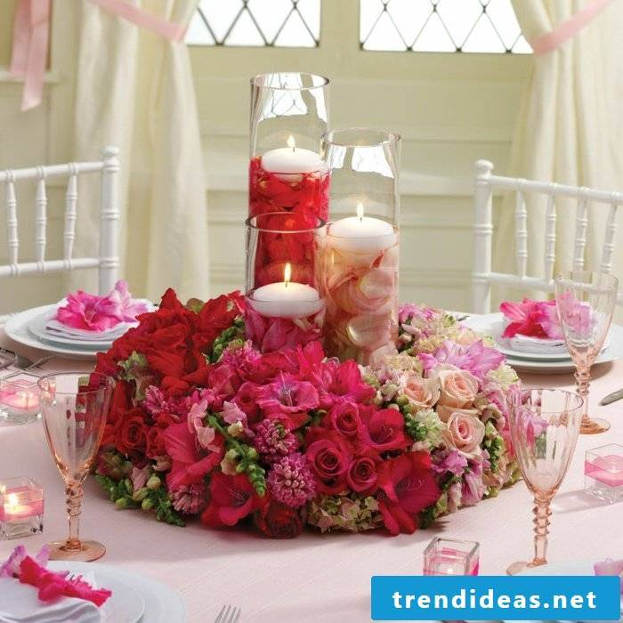 floral table decoration red