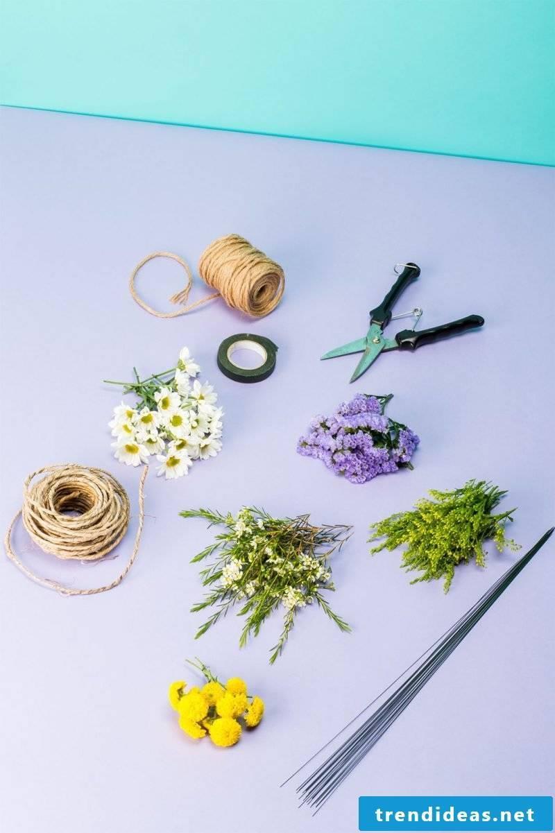 Flower wreath itself make from garden flowers