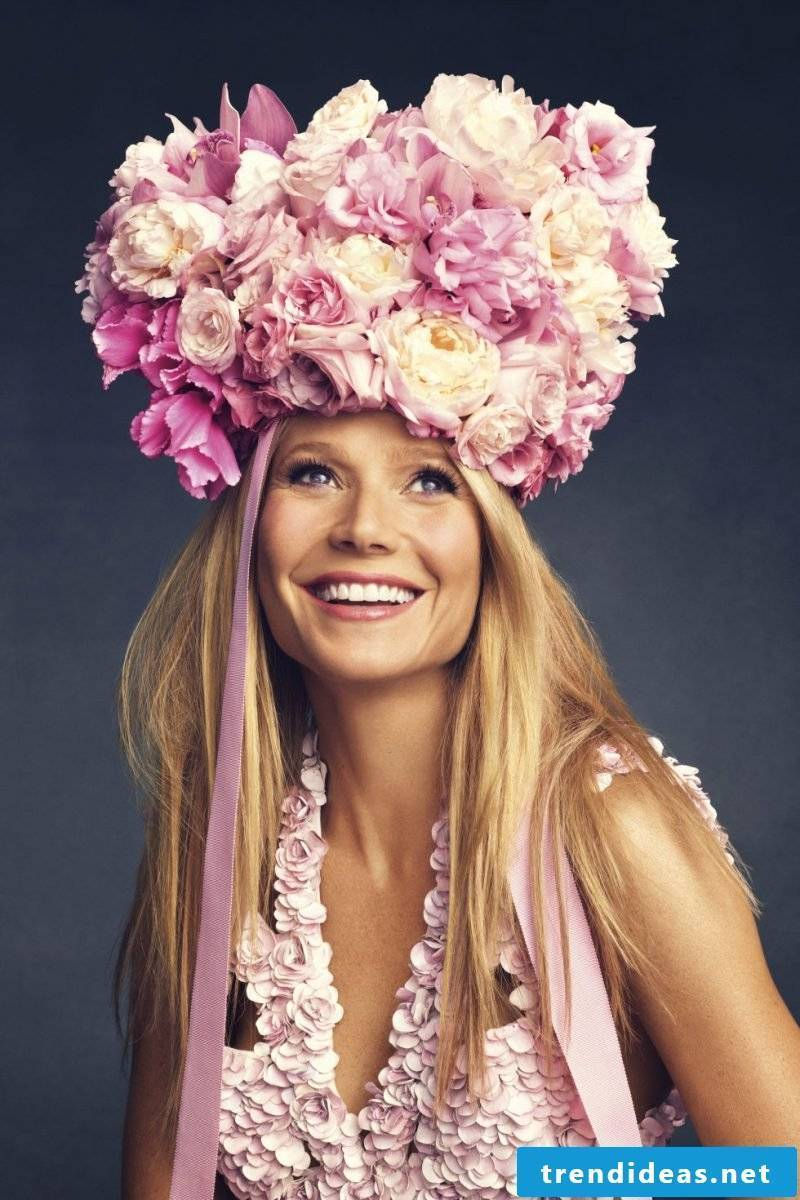 Flower wreath for hair: Where can we wear the beautiful hair accessory?